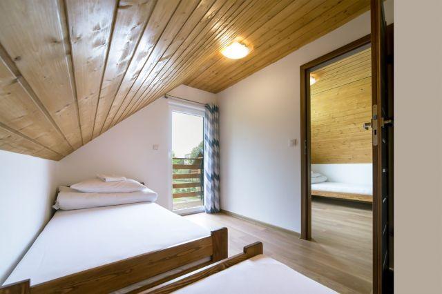 Domki JASNA POLANA Jastrzębia Góra Pokój w domku drewnianym