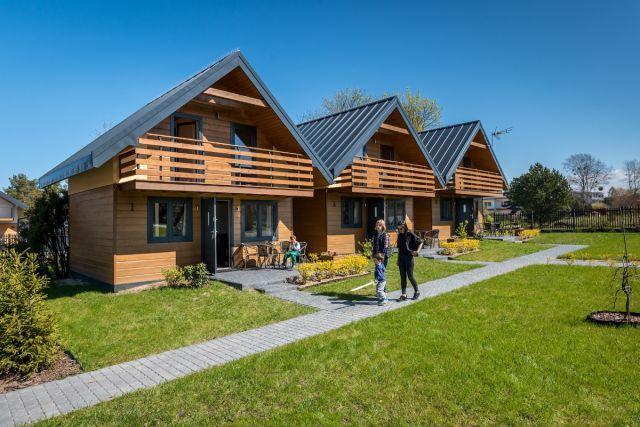 Domki JASNA POLANA Jastrzębia Góra Domki drewniane z zewnątrz
