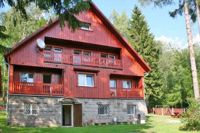 Dom Wypoczynkowy LEŚNY CZAR Michałowice