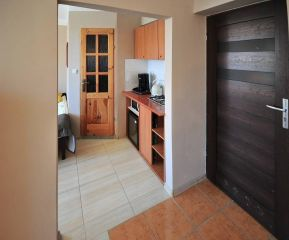 Tanie - Atrakcyjne pokoje gościnne U BOŻENY Darłowo studio 4 os 2 pokojowe z aneksem kuchennym ,łazienką