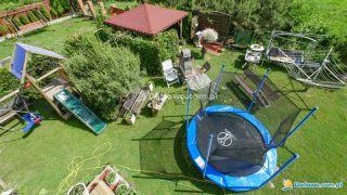 Tanie - Atrakcyjne pokoje gościnne U BOŻENY Darłowo ogród   mały plac zabaw