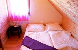 Domki apartamentowe GOŚCINIEC BOBOLIN Bobolin sypialnia piętro