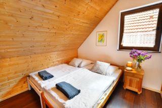 Domki apartamentowe GOŚCINIEC BOBOLIN Bobolin sypialnia