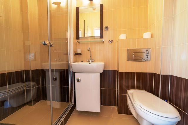 Dom Wypoczynkowy GOGA Jastrzębia Góra pokój nr 5 - łazienka