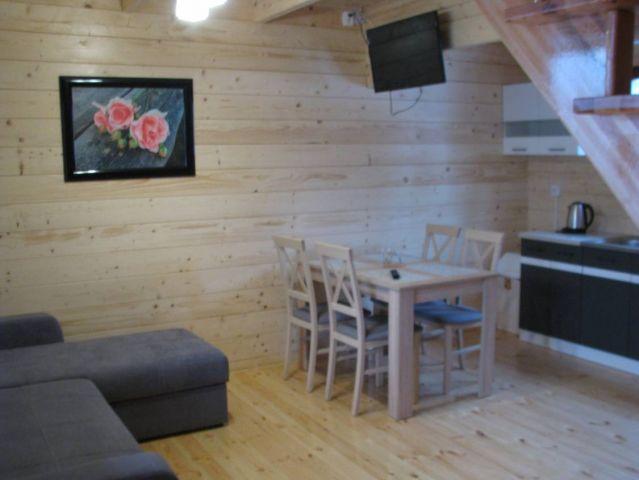 Domki 8 DĘBÓW Pobierowo 8-osobowy domek...salon
