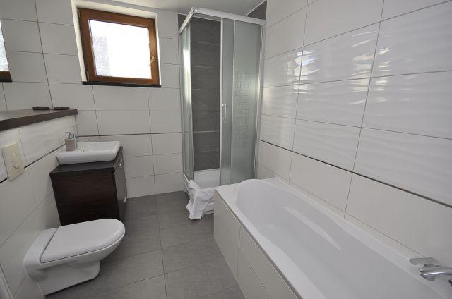 Apartmix Apartamenty nad morzem Władysławowo łazienka z apartamentu MEDUZA