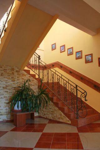 Ośrodek Wczasowy DIANOLA Darłówko schody na piętro