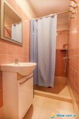 Domki VIKI i Pokoje PATIO Wicie Wicie łazienka w pokojach