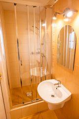 Pokoje FAMILKA Karwia łazienka w 4