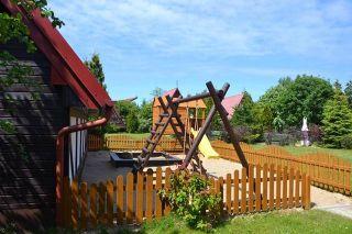 Ośrodek Wczasowy Politechniki Ślaskiej TOPOLA Jastrzębia Góra Plac zabaw
