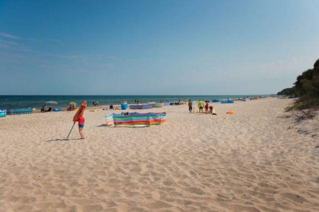 Pokoje i Domki BIAŁA PLAŻA Gąski plaża przy naszym zejściu
