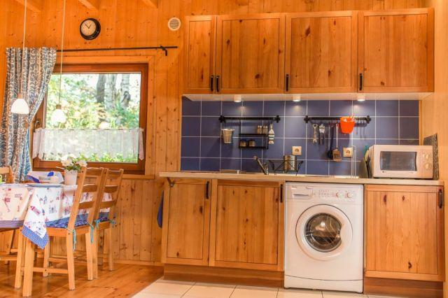 Domki Drewniane Całoroczne PLEJADY Dźwirzyno Domki 4 osobowe - kuchnia
