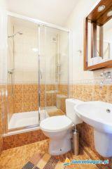 Dom Wczasowy Leśna Perła Jastrzębia Góra 20- pokój 2 osobowy - łazienka