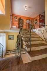 Dom Wczasowy Leśna Perła Jastrzębia Góra schody - klatka schodowa