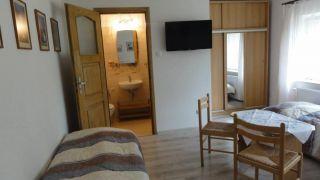 Pokoje Gościnne NORDA Ostrowo pokój nr 7 (3-4 osobowy)