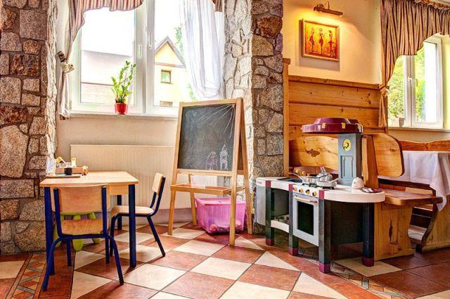 KARKONOSKI *** SPA Karpacz Kącik zabaw w restauracji