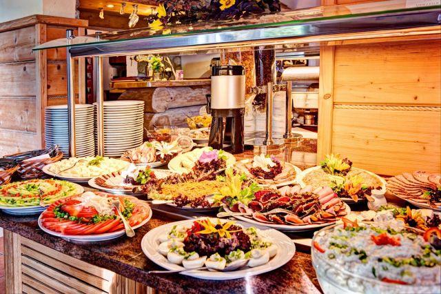 KARKONOSKI *** SPA Karpacz Śniadania w formie bufetu szwedzkiego