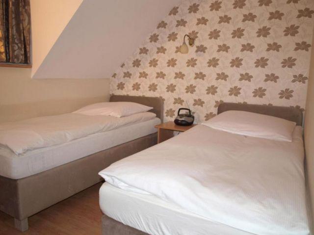 Domki DĘBINKA Dębina sypialnia