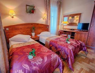 Hotel CASPAR Jelenia Góra - Cieplice Pok. 2 os Standard