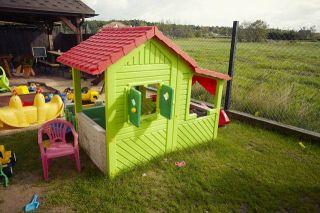 Pokoje Gościnne STOKROTKA Karwia Plac zabaw dla dzieci.