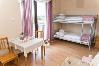 Pokoje Gościnne STOKROTKA Karwia Łóżka piętrowe dla małych i dużych.