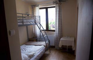 Pokoje Gościnne STOKROTKA Karwia Pok. 5-os pomieszczenie 1