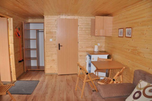 Domki POD SOSNAMI Łeba Domek 4 osobowy - 1 pokój