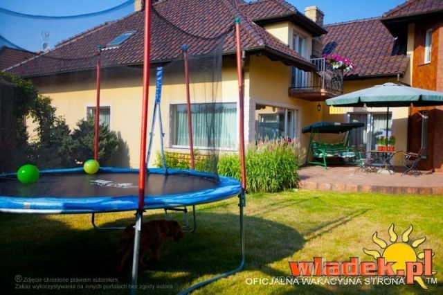 Willa MILENA Władysławowo trampolina z widokiem na ogólnodostępny taras