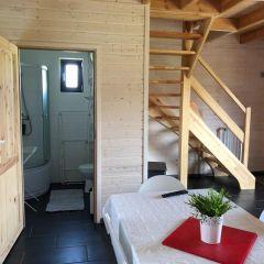 Domki KALIPSO Sarbinowo łazienka na parterze