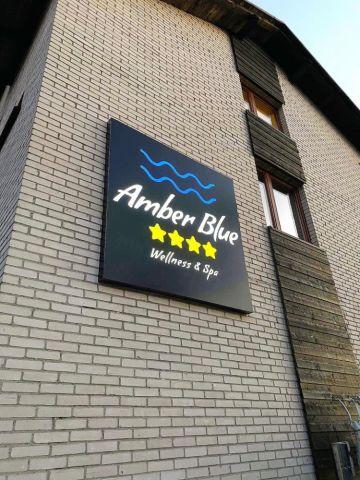 Amber Blue**** Karwia
