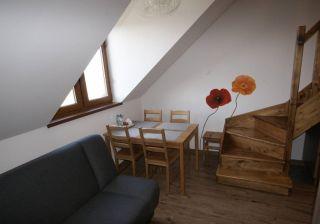 Pokoje i Apartamenty JASKÓŁKA Białogóra