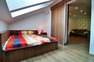 Pokoje i Apartamenty DEL MARE Jastrzębia Góra studio sypialnia