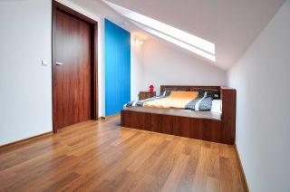 Pokoje i Apartamenty DEL MARE Jastrzębia Góra sypialnia w pokoju studio