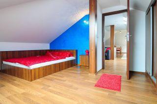 Pokoje i Apartamenty DEL MARE Jastrzębia Góra sypialnia w apartamencie