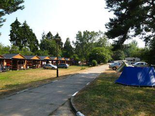 NA SKARPIE domki i pole campingowe Jastrzębia Góra