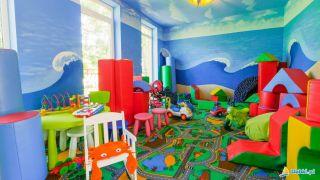 Domki Letniskowe ZIELONE DOMKI Dąbki Sala zabaw dla dzieci w głównym budynku ośrodka