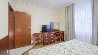 Pensjonat TADEUSZ I APARTAMENTY Darłówko 2 pokoje 2-osobowe z tarasem