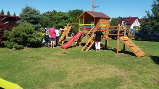 Domki, Pokoje i Apartamenty LAGUNA Dąbki Plac zabaw dla dzieci