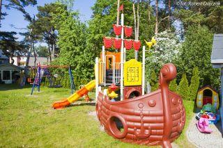 Willa KAROLINKA Dziwnówek Plac zabaw dla dzieci