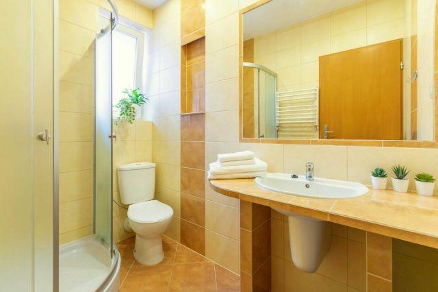 MARYNARSKI Apartamenty Darłówko łazienka
