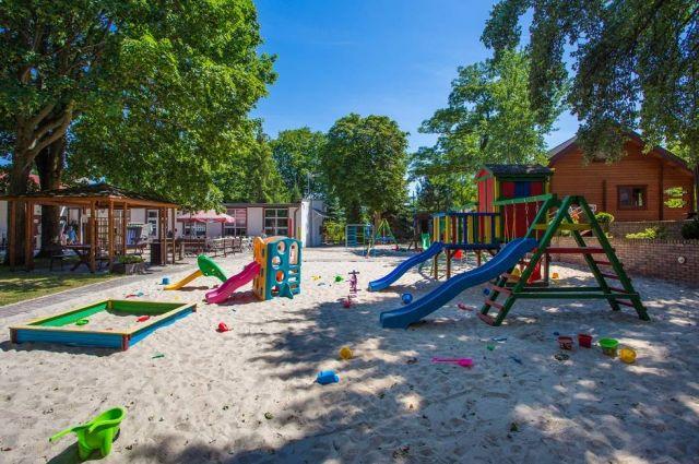 Ośrodek Wczasowy NA WYDMIE  Dziwnów Plac zabaw