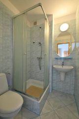Dom Wczasowy OSKAR Karwia łazienka pokój nr.11
