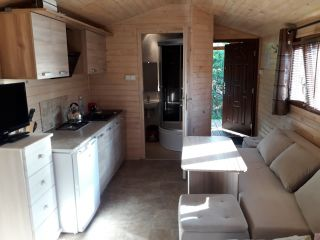 HOLIDAY HOMES 777 Karwia