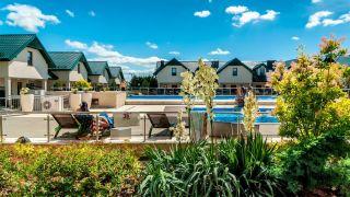 Domki Apartamentowe FULAY Premium Karwia baseny