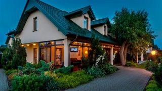 Domki Apartamentowe FULAY Premium Karwia recepcja