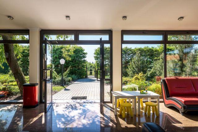 Domki Apartamentowe FULAY Premium Karwia Recepcja - wejście