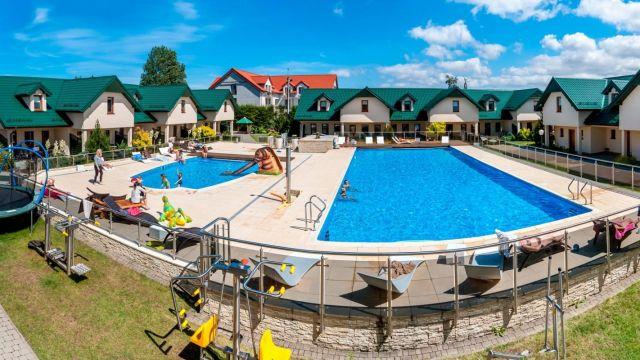 Domki Apartamentowe FULAY Premium Karwia siłownie zewnętrzne i podgrzewane baseny