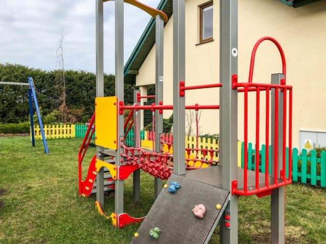 Domki Apartamentowe FULAY Premium Karwia plac zabaw