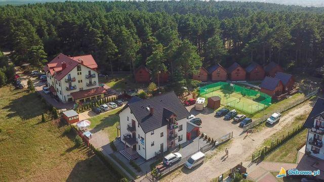 Domki i Apartamenty ALTAMIRA Ostrowo Widok na ośrodek z lotu ptaka