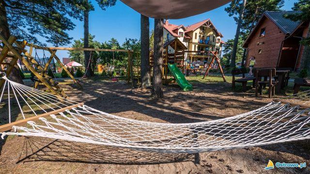 Domki i Apartamenty ALTAMIRA Ostrowo Hamaczek dla odpoczynku :)